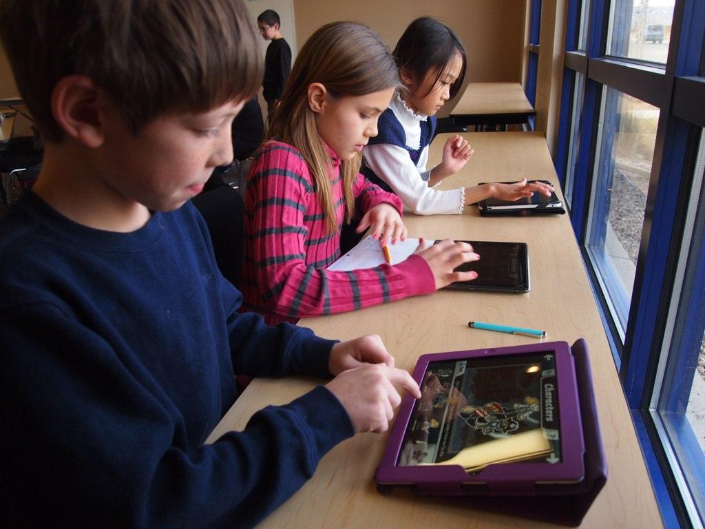 Six reasons wireless connectivity benefits educators - Techs4education